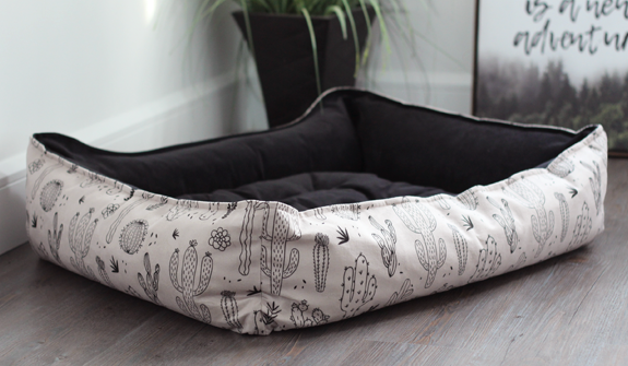 Ultra-Soft-cozy-bed-cacti-for-dogs-english