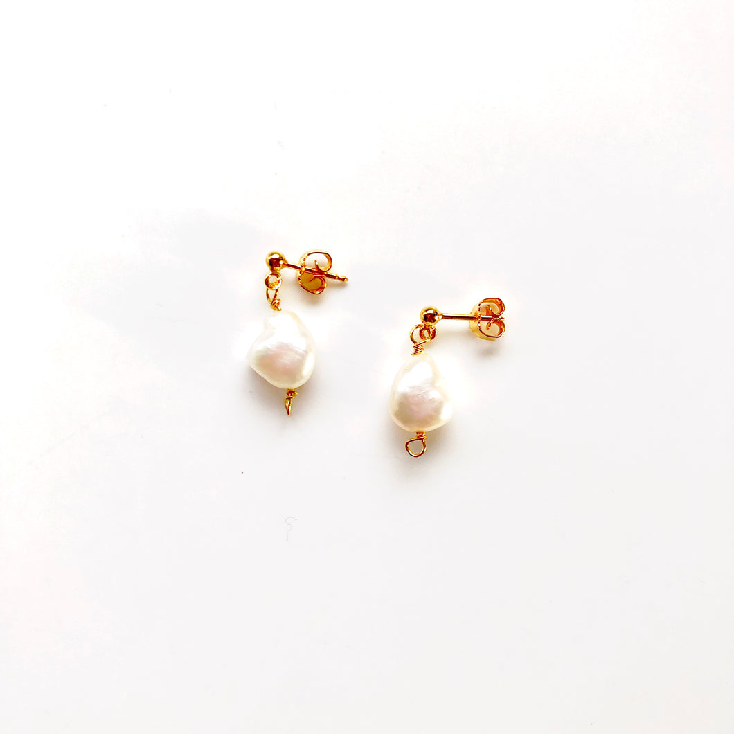 Sandy gold pearl earrings