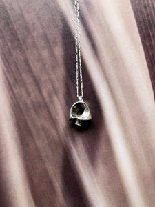 Coquille silver necklace