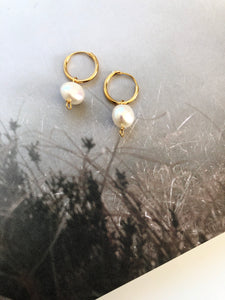Treasure baroque pearl earring