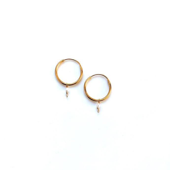 Pi gold medium earrings