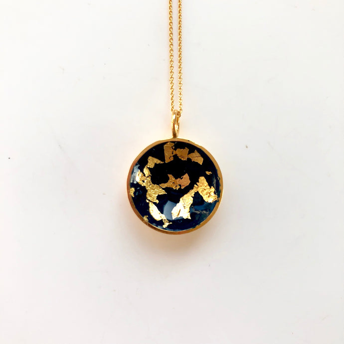 Paint dark blue necklace