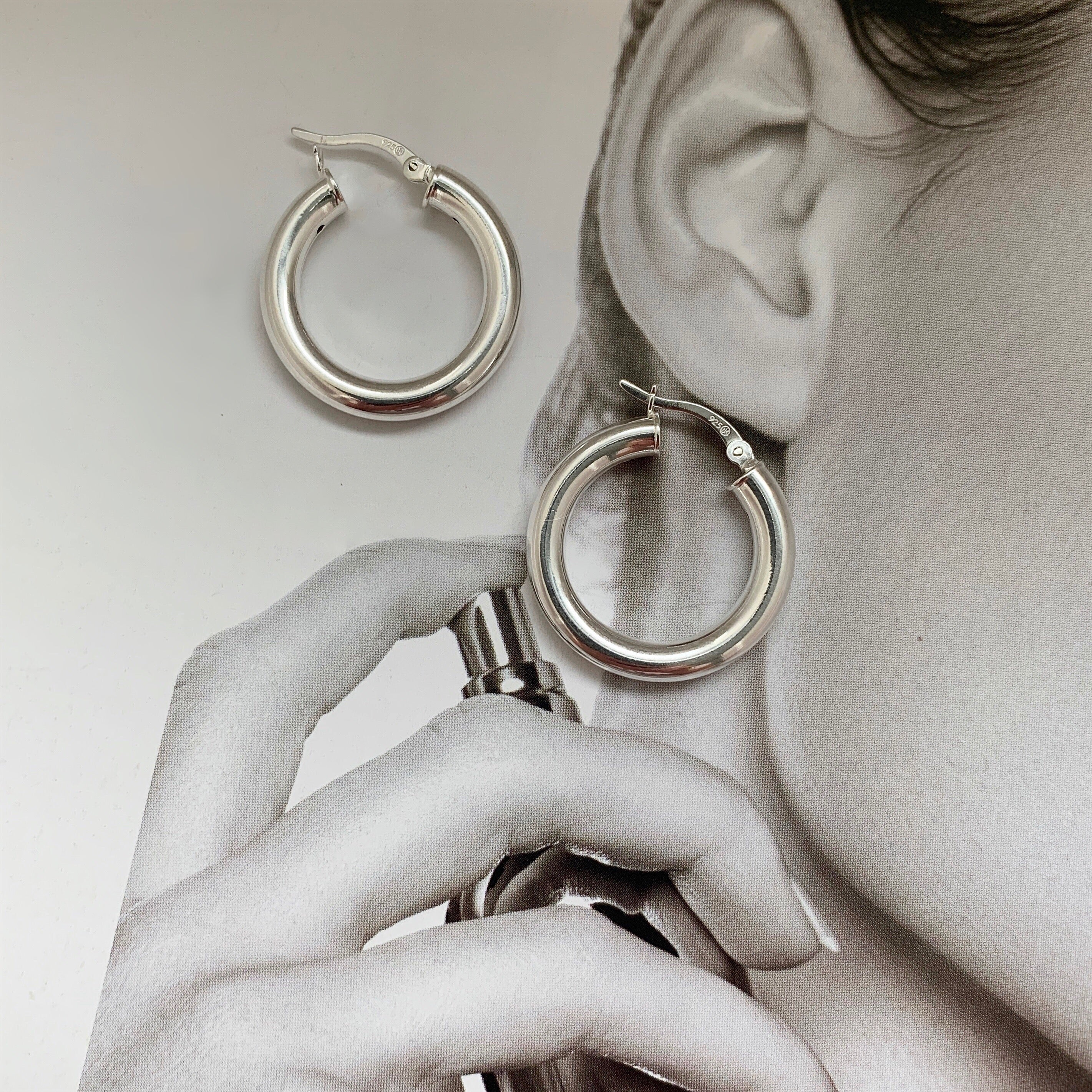 EVERYDAY | MEDIUM EURO HOOPS ARGENT STERLING