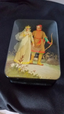 Vintage Russian lacquer box Fedoskino