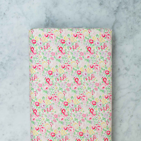 quilt-gate-english-rose-garden-small-flowers-white-2310-14a