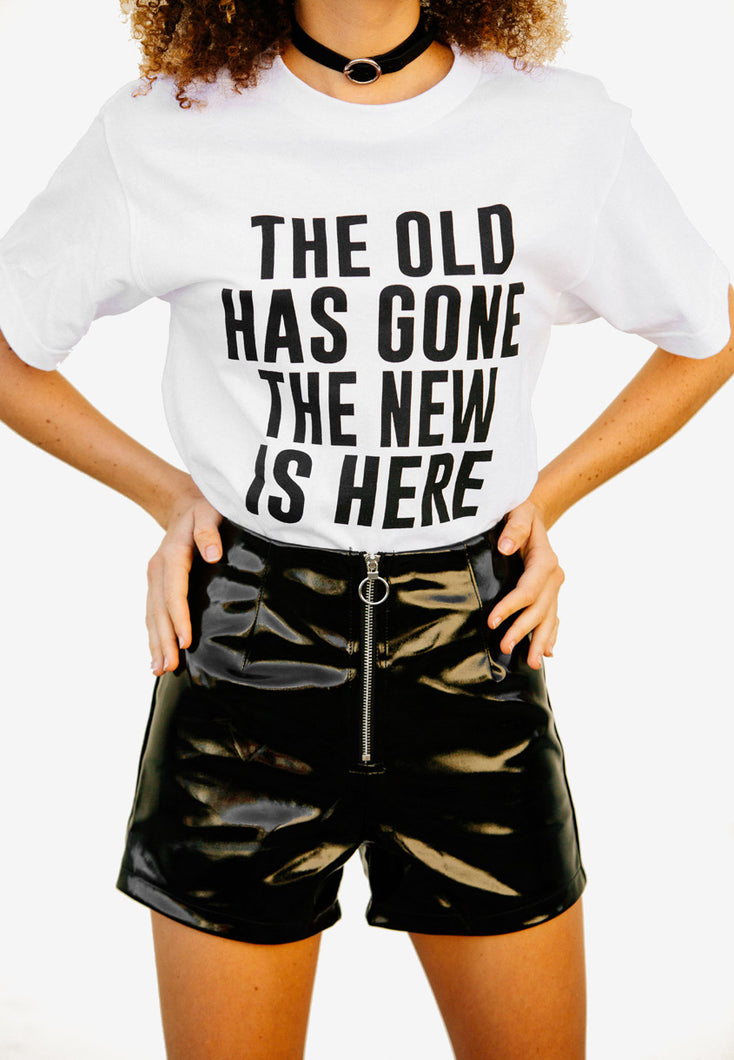 "GRAPHIC T-SHIRT ""THE NEW IS HERE"""