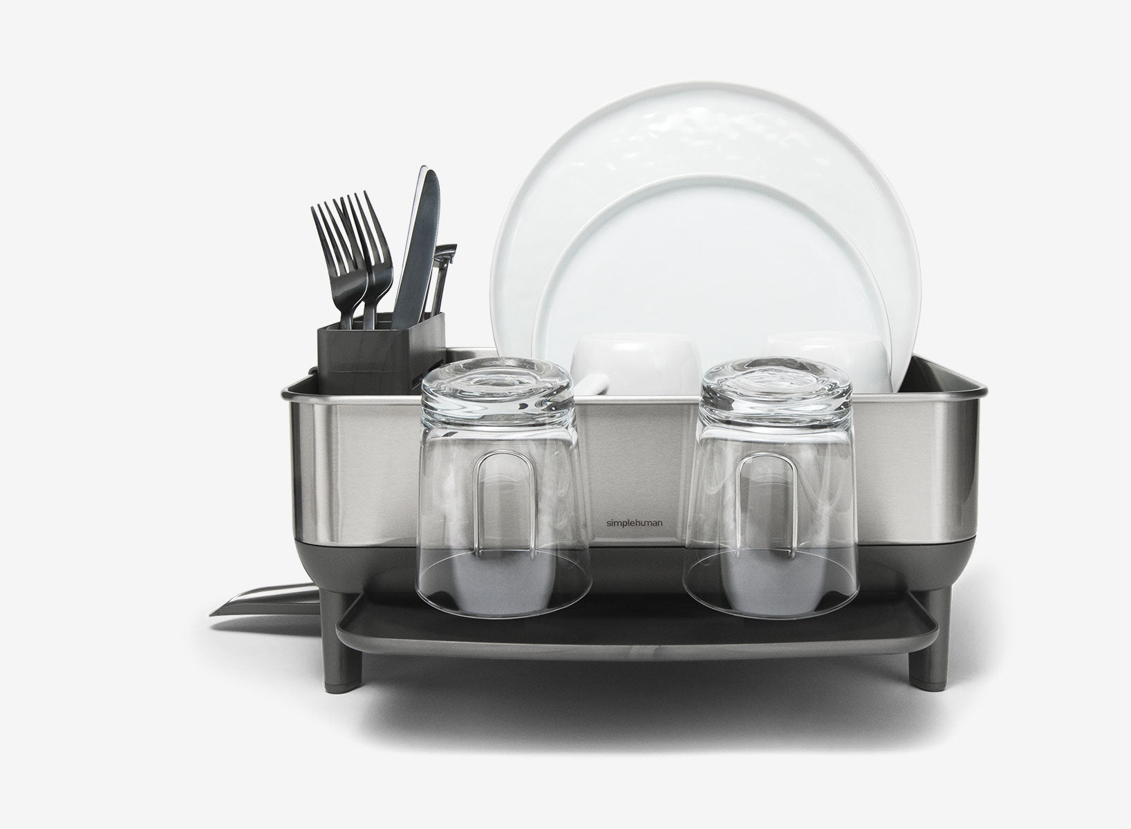 large capacity dishrack allows for many dishes to be piled in
