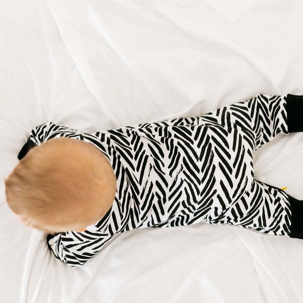 Baby Girl Clothes: back view of zebra pjs