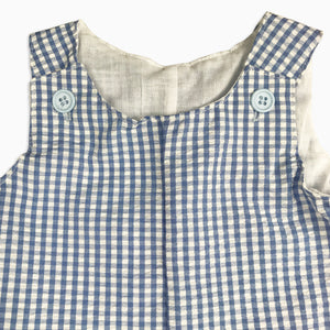 Baby Girl Clothes: close up view on buttons on romper