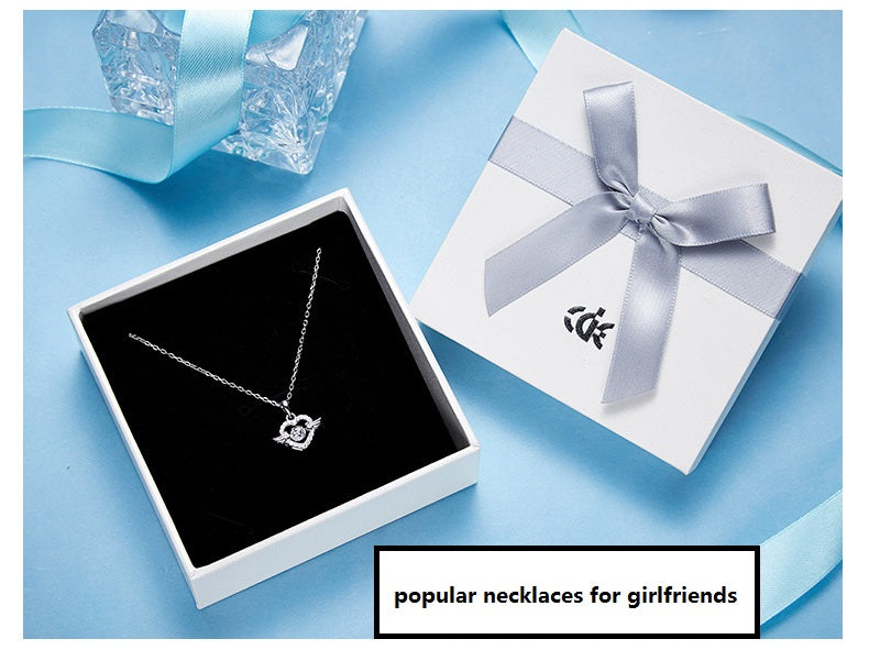 cool necklaces for girlfriend