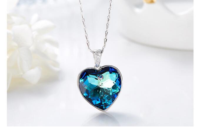 beautiful necklace for girlfriend