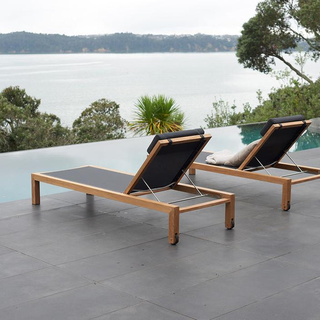 Devon Mokaui Outdoor Sun Lounger