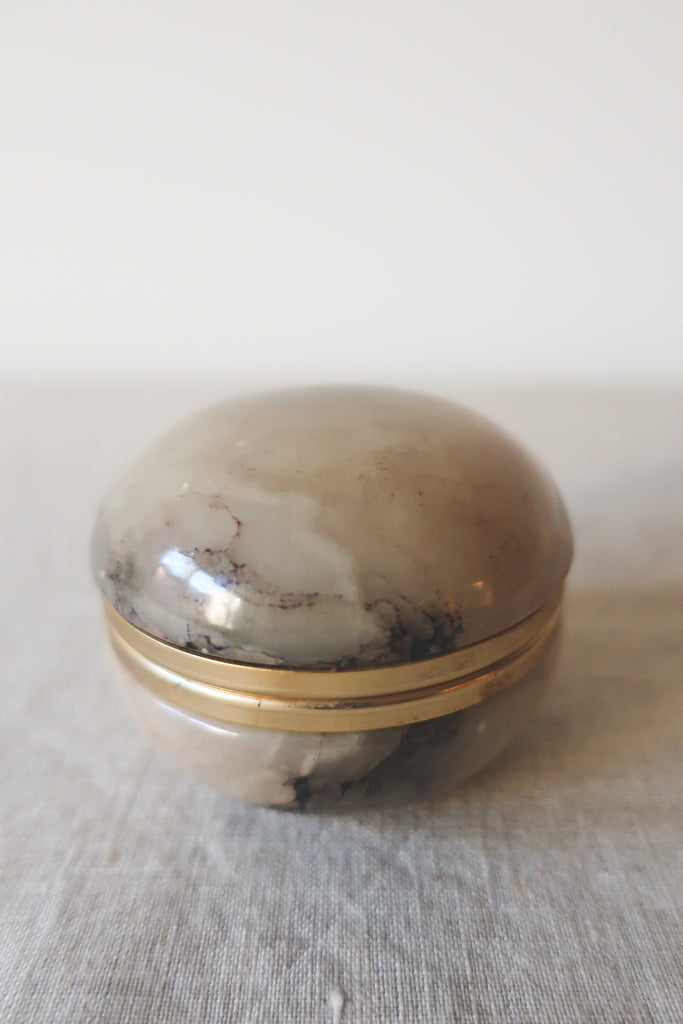 Vintage Clam Shell Ring Box