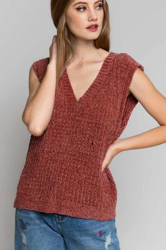 The Noelle Sweater Vest (Merlot)