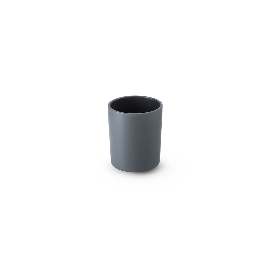 LAB mug dark grey on blue grey clay (no handle without line)