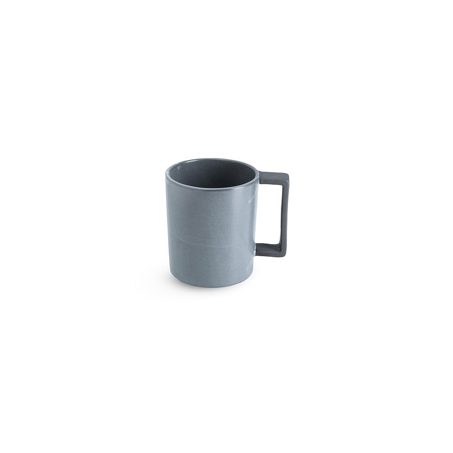 LAB mug frost on charcoal clay (straight handle without line)