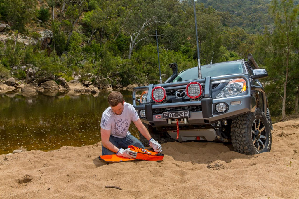 4x4 OFF-ROAD RECOVERY KITS
