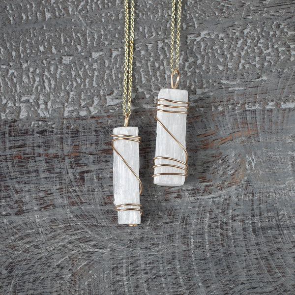 Raw Selenite Necklace, 18in Gold