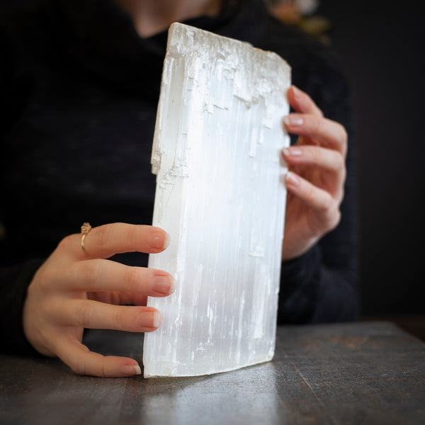 Large Selenite, 4lb Raw Log