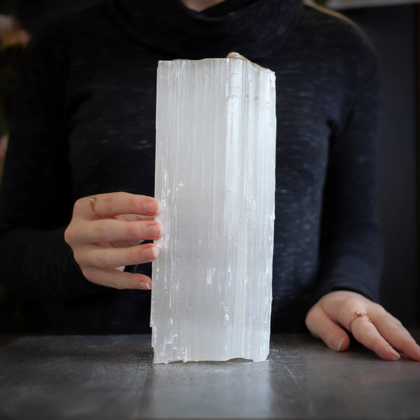 Large Selenite, 5.5lb Raw Log