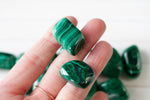small tumbled malachite stone