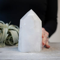 Large Quartz Tower, Milky Quartz