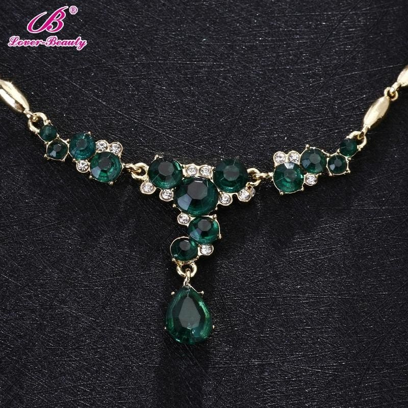 Pretty Emerald Green Jade White Gold Plated Butterfly Pendant /& Necklace