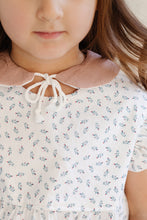 Tied Peter Pan Collars