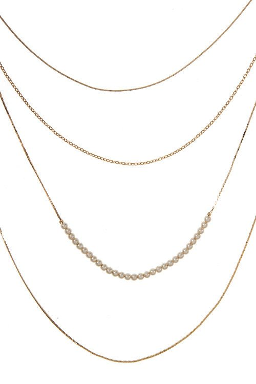 Multi layered flat chain aligned pearl accent necklace set