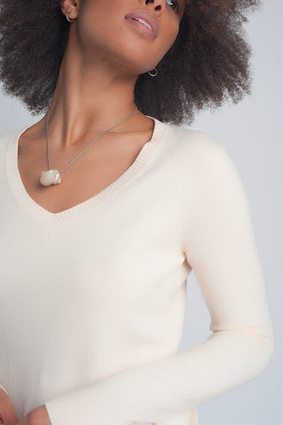 Soft Basic Sweater With V-Neck in Cream