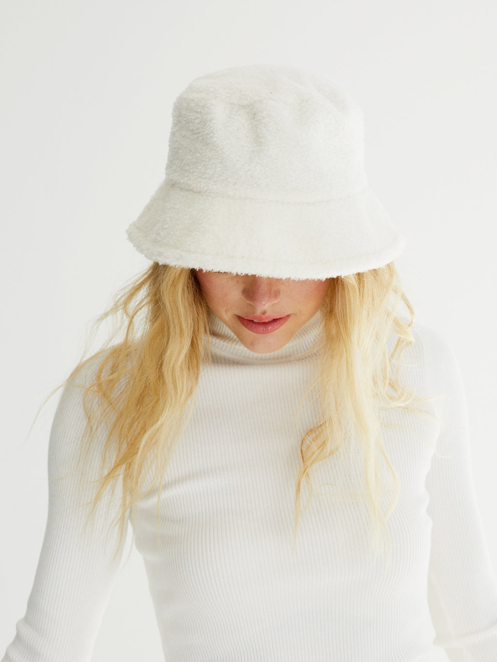 Jamie Bucket Hat-White