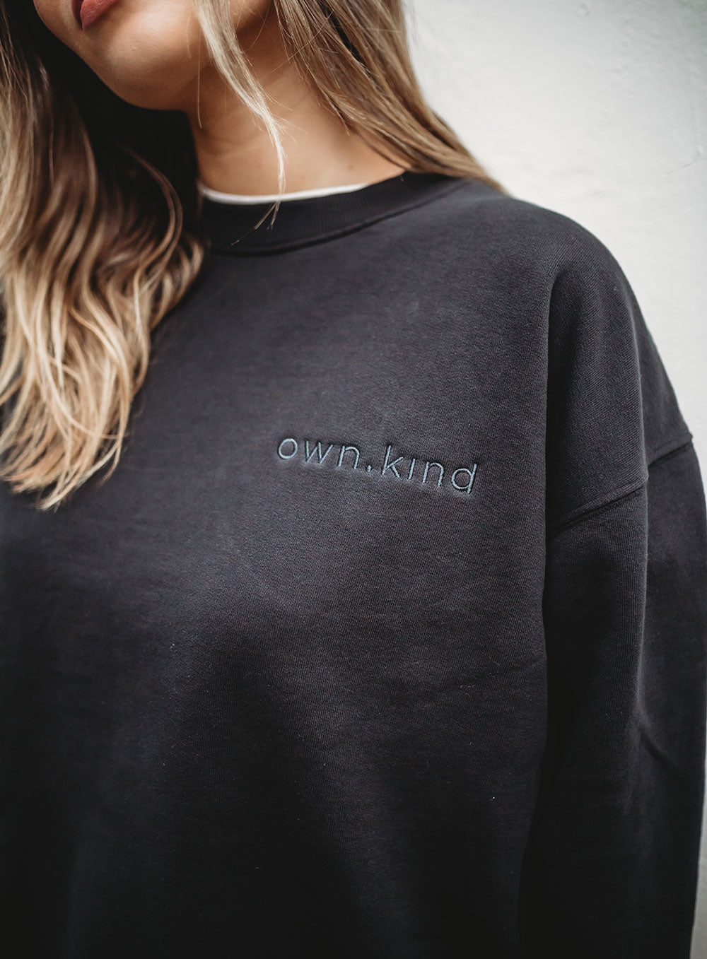 Kinsley Sweat-Black