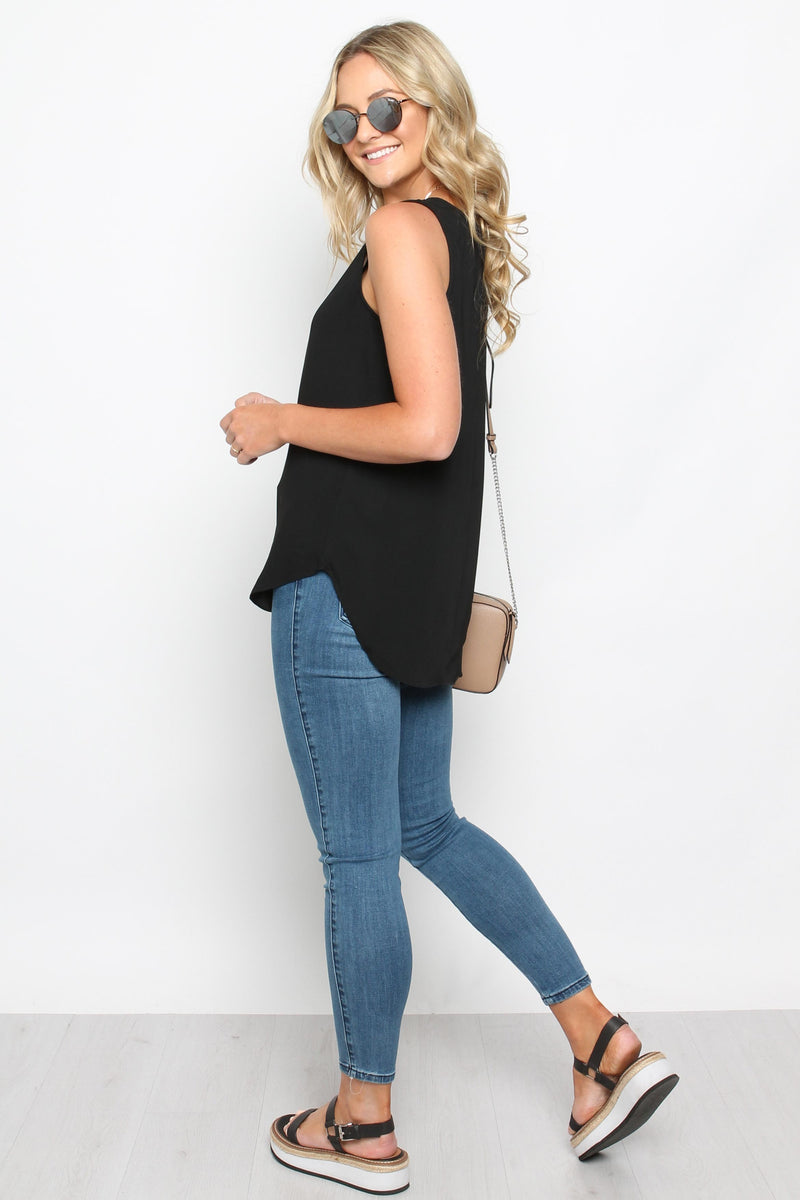 Basic Scoop Singlet Black