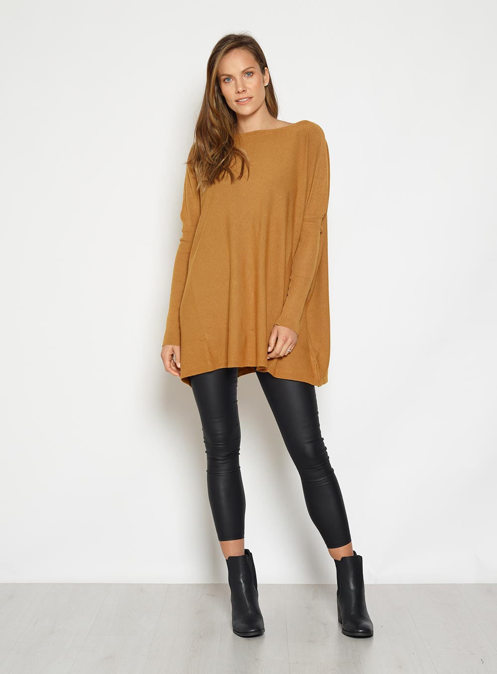 Straight Neck Knit Mustard