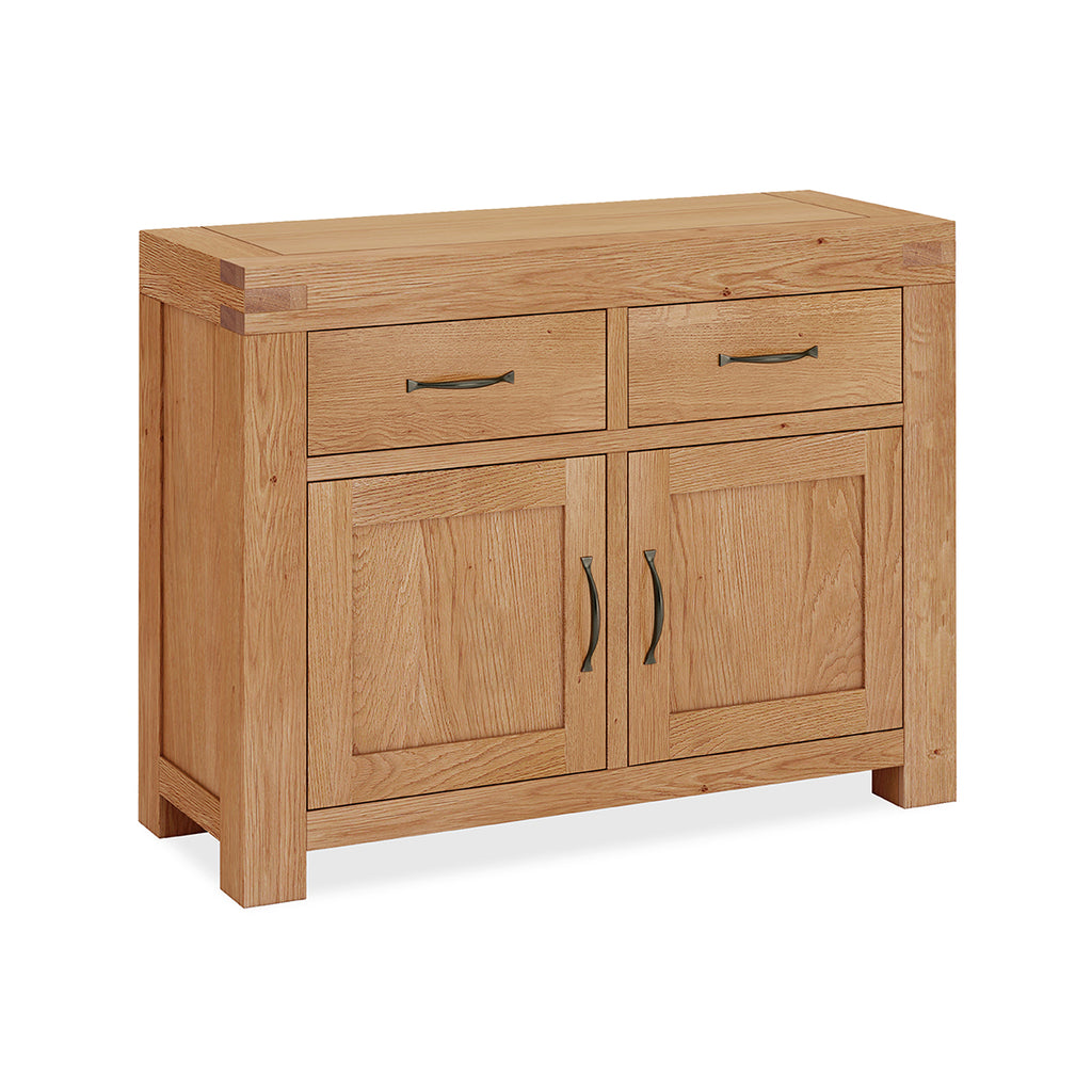 Montreal Country Oak Medium Sideboard