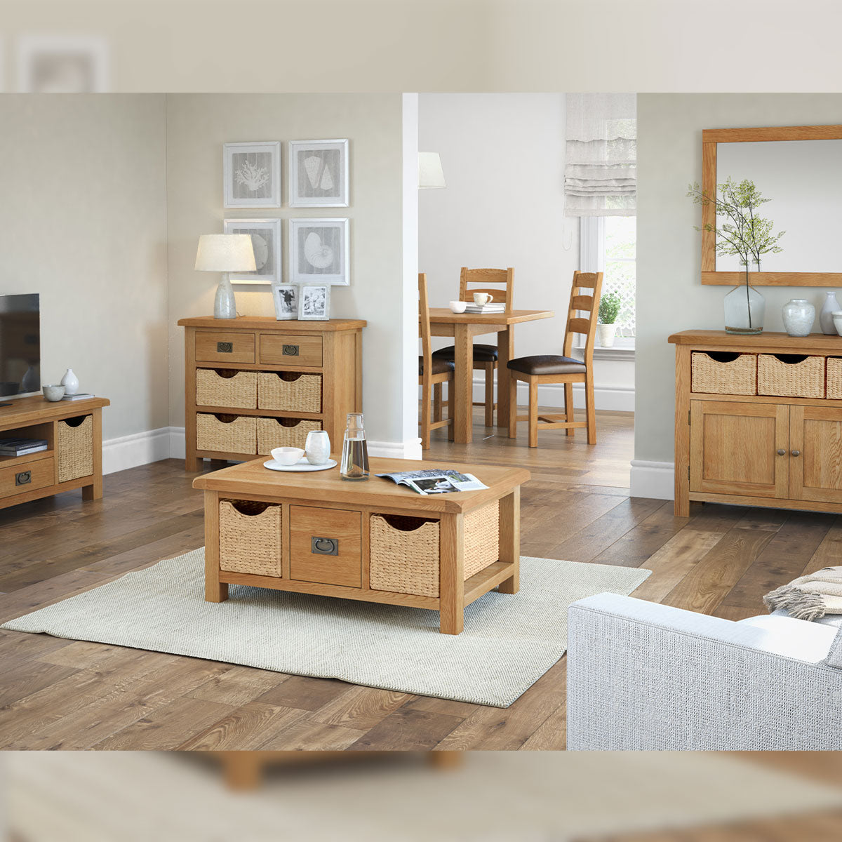 Salisbury Large Coffee Table With Baskets
