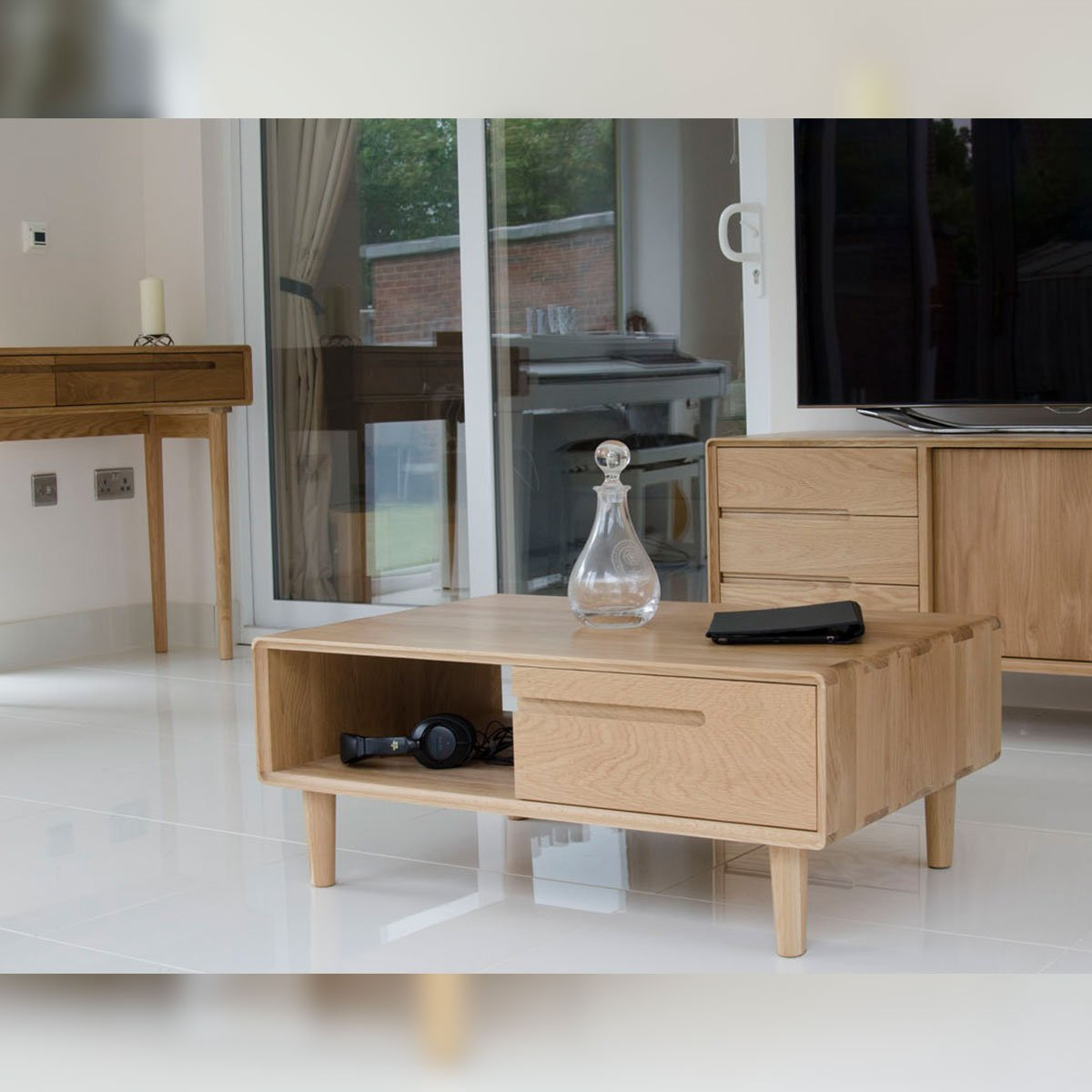 Scandic Oak Compact Glazed Chest