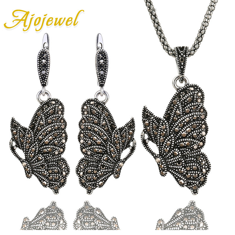 Ajojewel Women's Black Crystal Stone Animal Jewelry Sets Butterfly Necklace And Earrings Vintage Parure Bijoux