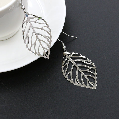 2018 Women's Earrings Alloy Hollow Leaves Silver-plated Fashion Trend Temperament Ladies Jewelry Exquisite Gift 2-2 # 2118775