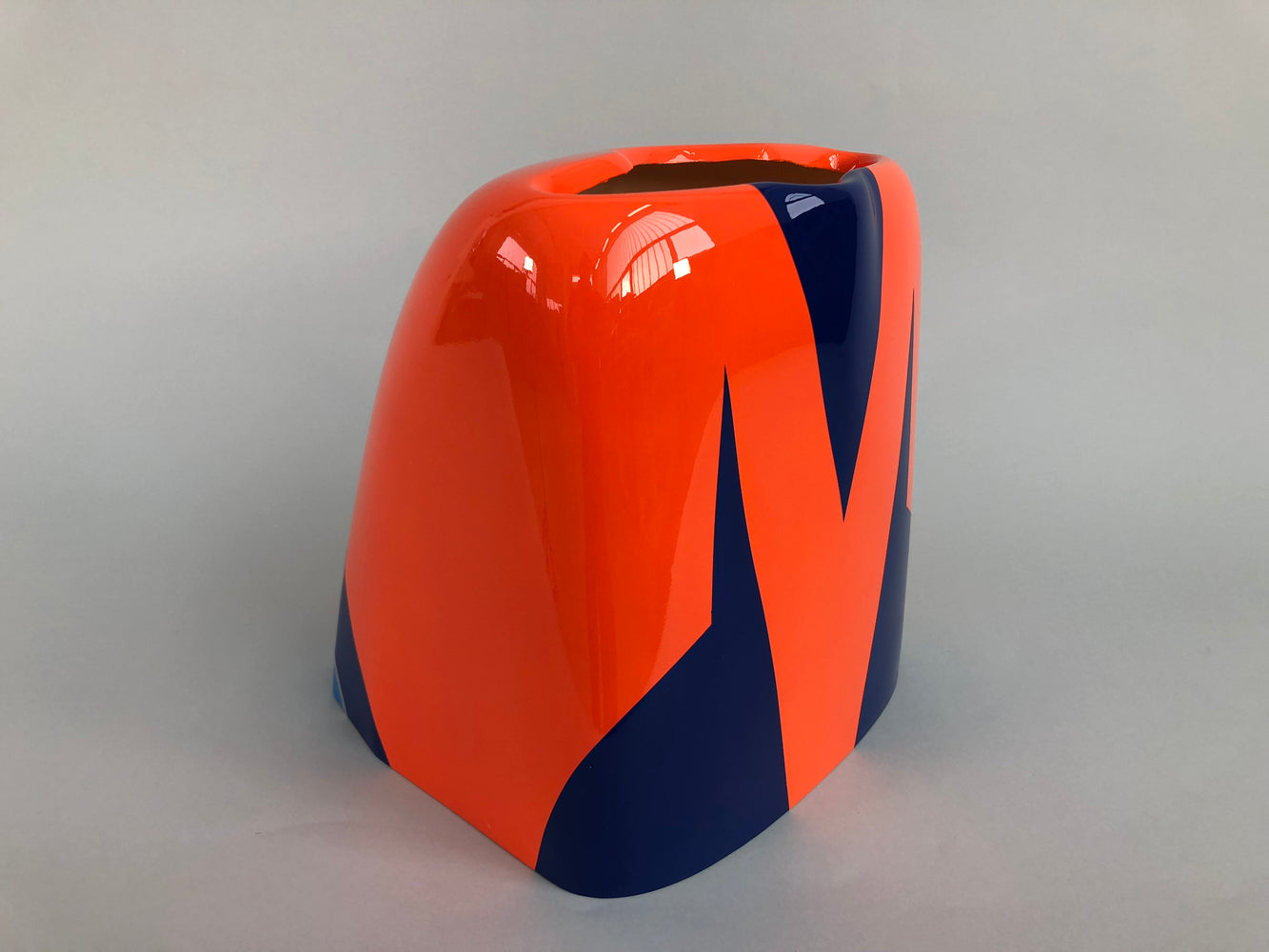 "104"" Extra 300 V2 Orange/Blue - Cowl"