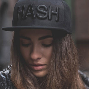 HASH BLACK TONAL LOGO SNAP BACK.