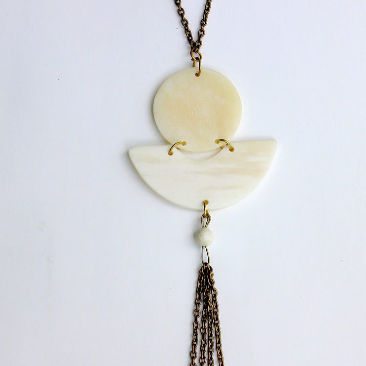 Arch White Necklace