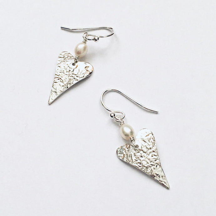 Silver and freshwater pearl heart earrings