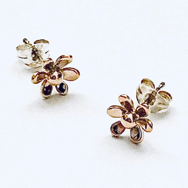 9ct gold flower earrings