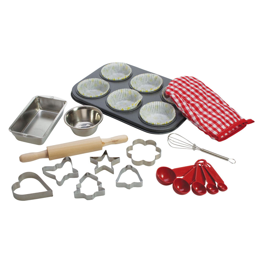 This Baking Set from Bigjigs will encourage every Young Chef to develop their skills! Includes a six-bun baking tray, a ramekin, loaf tin, a whisk, a wooden rolling pin and six pastry cutters.