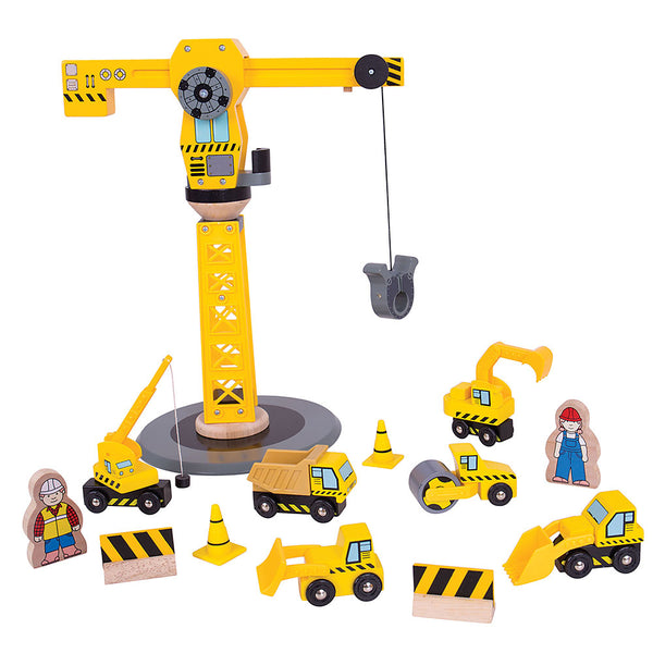 Time to get building! With Construction Site workers and vehicles on hand and ready to go, any project can be completed. Especially with this Wooden crane that can swivel its load in all directions.