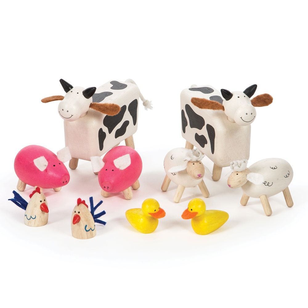 No farm is complete without some farm animals from Bigjigs! This set includes two cows, two sheep, two pigs, two ducks and two chickens all ready to settle on the farm!