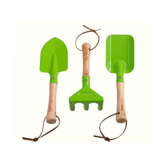 This fun, safe and durable set of gardening hand tools from Bigjigs are perfect for your little budding gardeners. This set includes a hand fork, trowel and rake, specifically designed for little hands. The tools feature a strong and sturdy wooden handle ensuring years of garden play and helping Mum and Dad. Made from high quality, responsibly sourced materials.