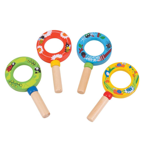 Your little ones can examine and learn all about their favourite little creatures with these mini magnifying glasses from Bigjigs! Whether their fascination is bugs in the garden, or unusual items found around the home, this is a great way to learn more about the things that take their interest.