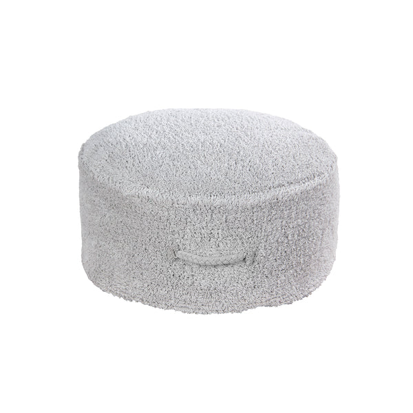 This round pouffe in a pearl grey colour comes with a handmade braid on the side as a handle. It is stackable and doesn't take much space but with it, you will always have an extra place!